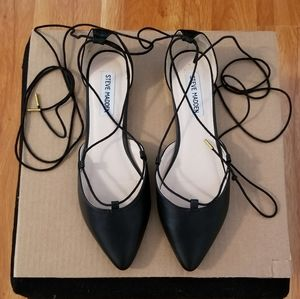 Steve Madden Elilia Pointed Toe Lace Up Flats